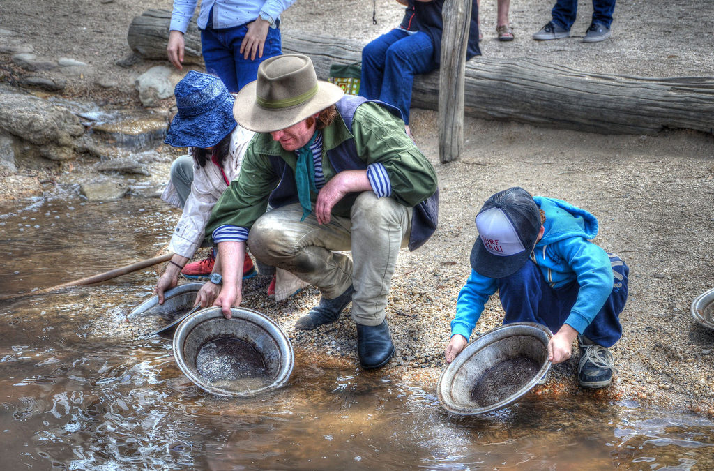 gold-panning-1024x675-color-kid